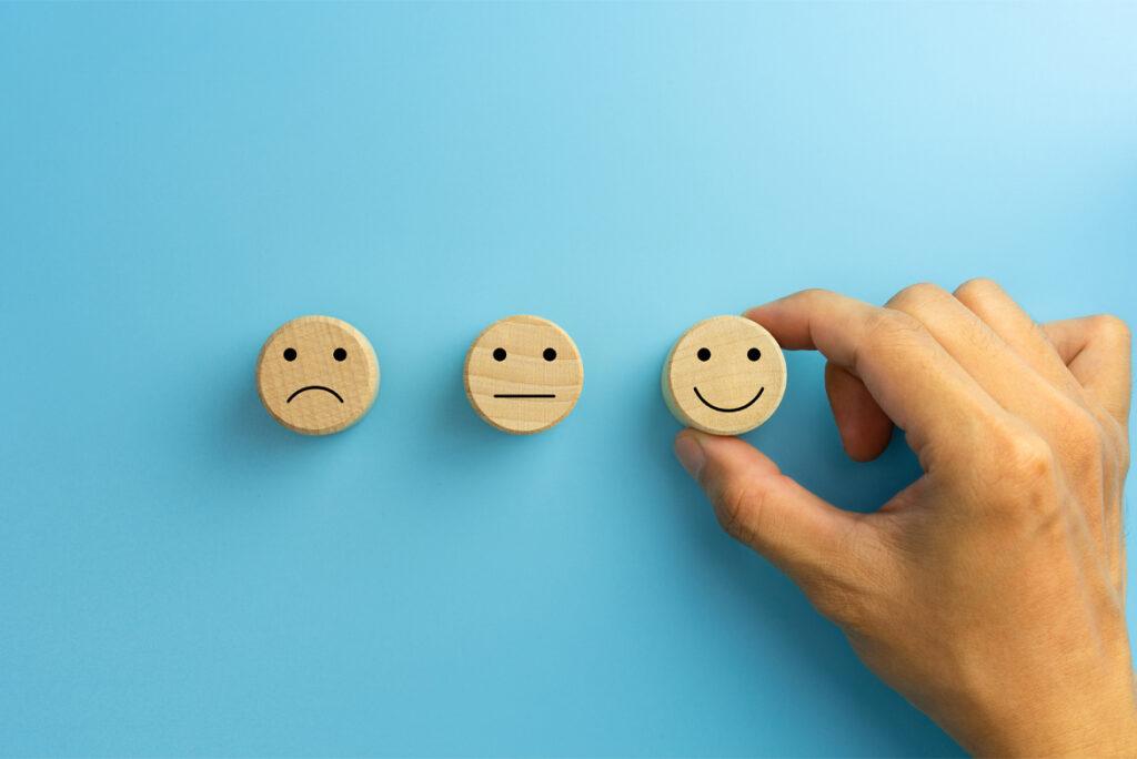 """Felicità è salute: come """"vivere di più"""" ma soprattutto come """"vivere meglio"""" - Apoteca Natura"""